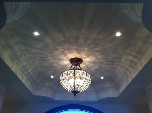 Crown Moulding & Potlights