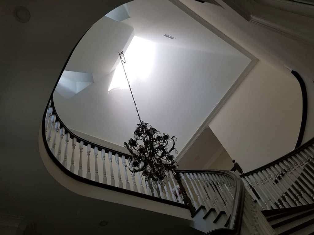 25ft Ceiling